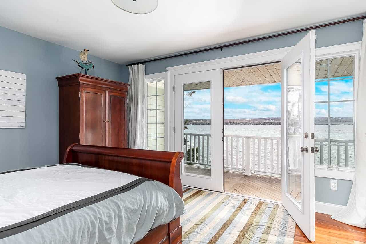 Bedroom #3 (Private Suite)